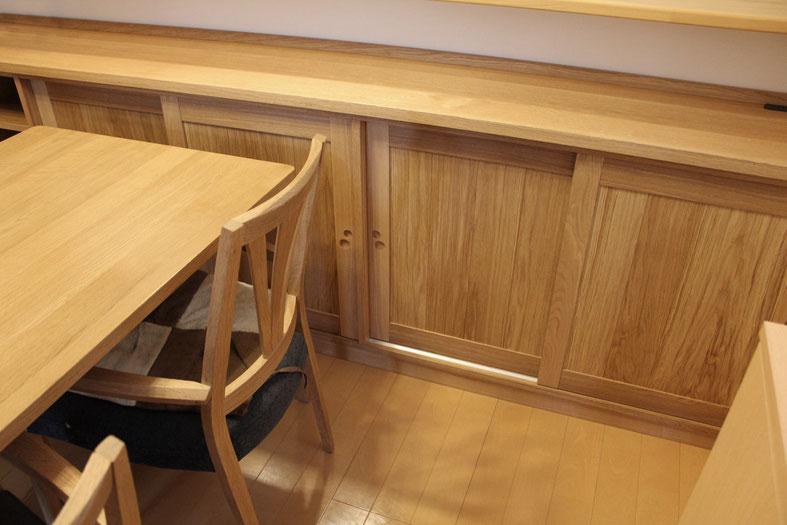 対面キッチンのカウンター下収納(秦野市・K様邸)と既存ダイニングテーブル