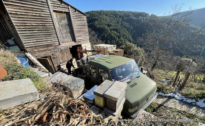 Bastien ALISE Apiculture montagne cevennes hiver