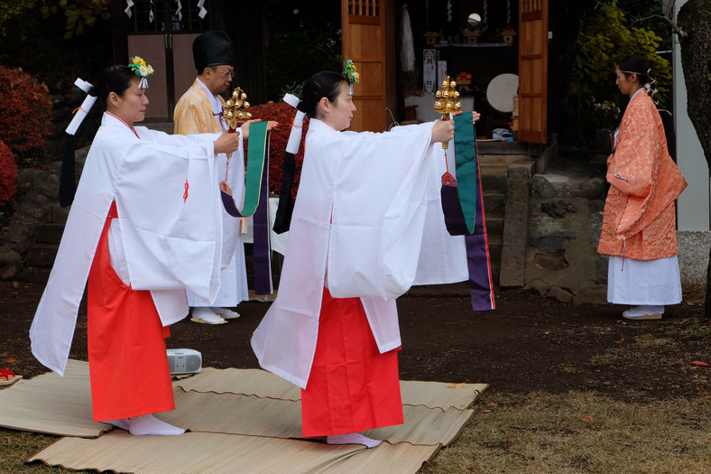 平松天神社 玉澤会(みうつくしびのかい)の巫女舞奉納