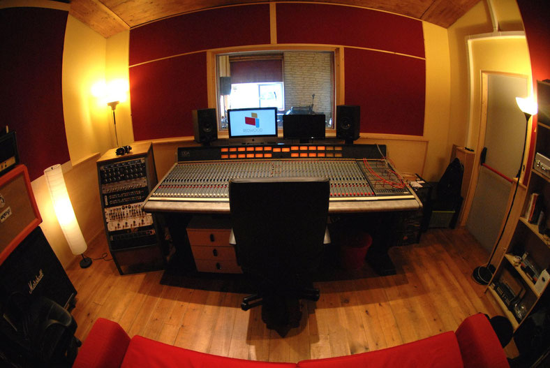 Redwood studio studio di registrazione a torino - Studio di registrazione casalingo ...