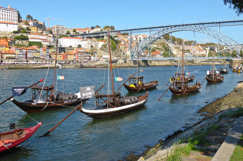 Port boats on the Vila de Nova Gaia side