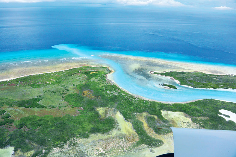 Fly fish The Seychelles, FFTC.club saltwater destination, Viev von the Plane, Astove Atoll, Fly fish the best saltwater destinations at the Seychelles.