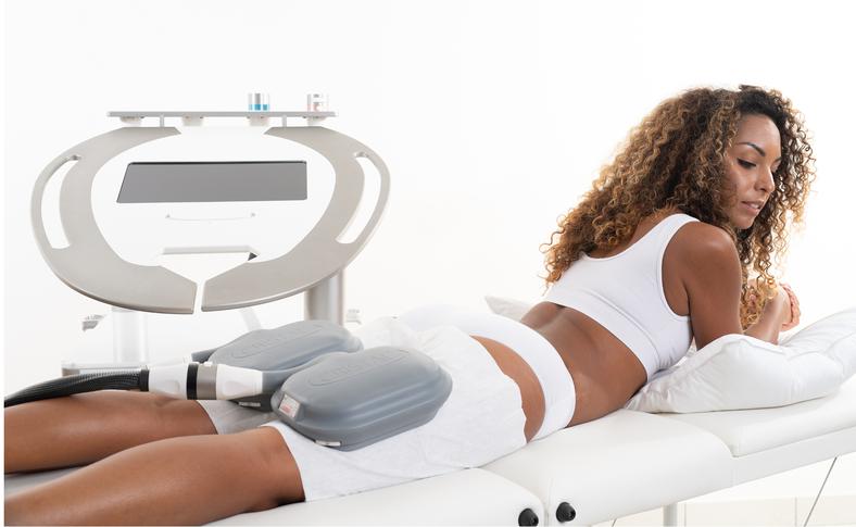 Behandlungsbeispiel: Behandlung von Reiterhosen mit der Kryolipolyse - Fettbehandlung