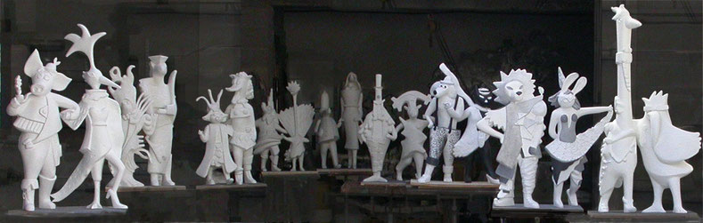 Les couples improbables de Lisa Vanho, maquettes des sculptures