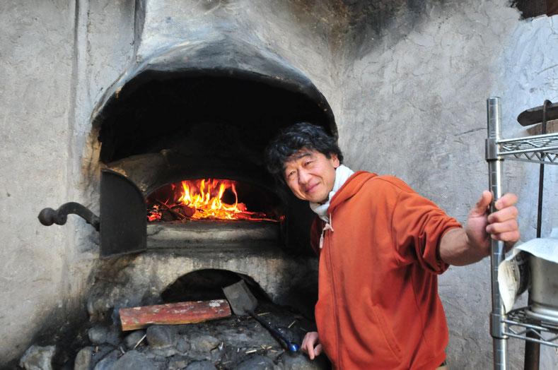 自給用の石窯が作れるのは田舎暮らしならではの愉しさです。炎が身近にある暮らしに、だんだんシフトしてみませんか