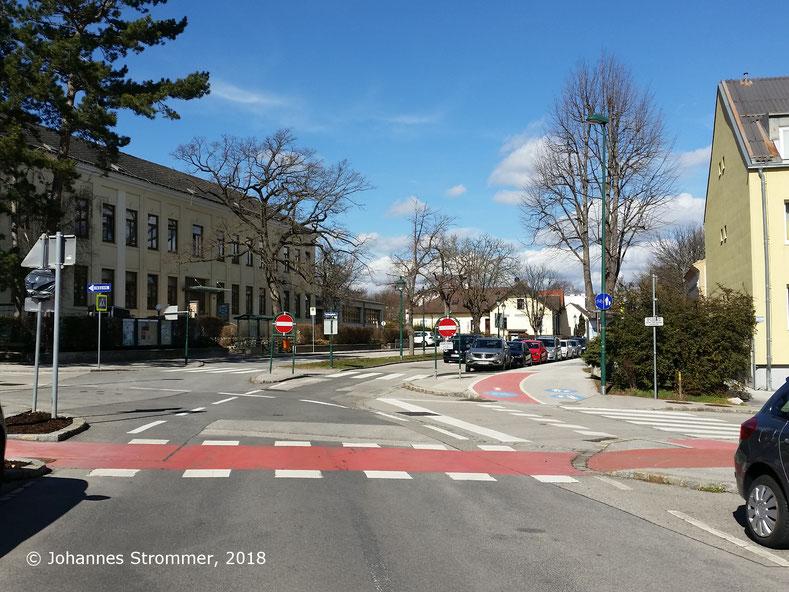 Straßenbahnlinie 360: Ausweiche Liechtenstein (heute Schulplatz), Blick Richtung Rodaun.
