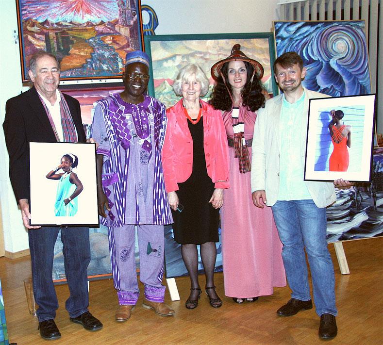Auf dem Bild: Wolfgang Haack, Philip Nikiema, Christa Volkmann, Ulianah Nesterova, Andrei Knack
