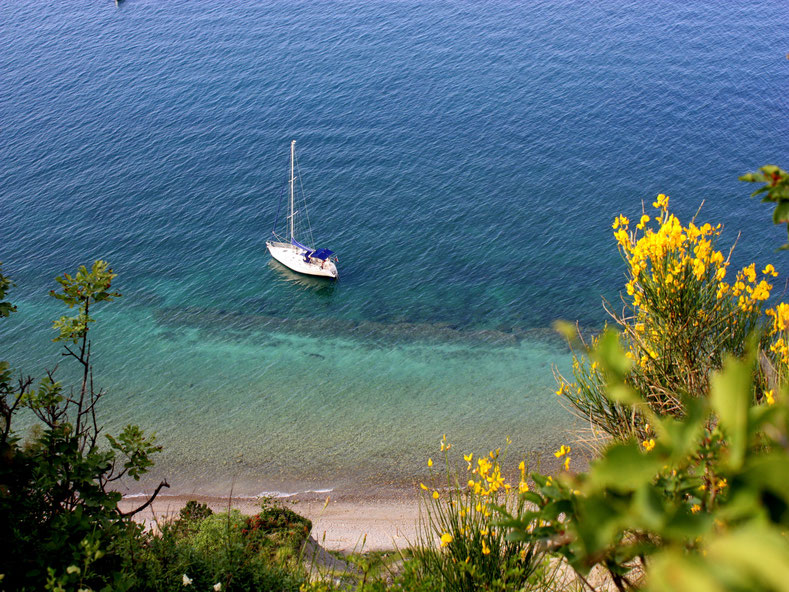 Spiaggia: vista dal sentiero che porta al mare