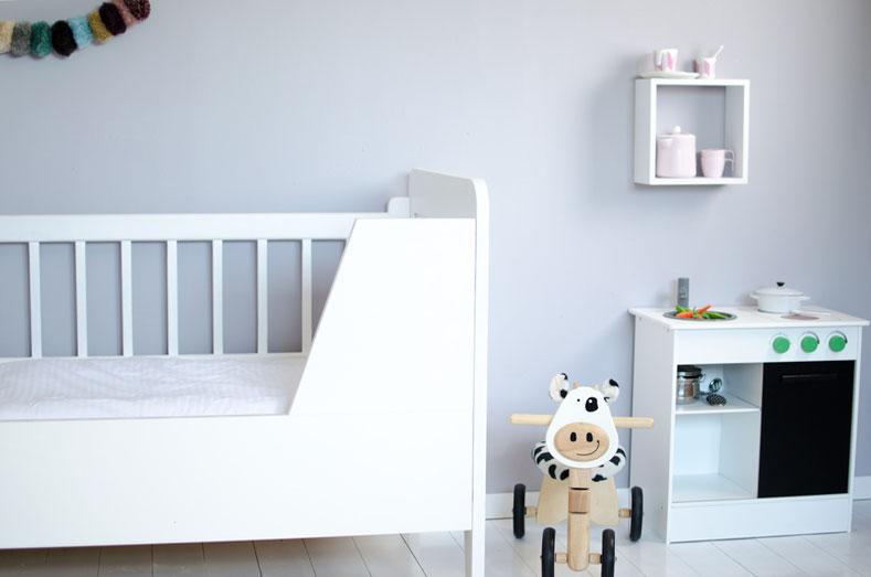 Kinderzimmer mit IKEA Küche