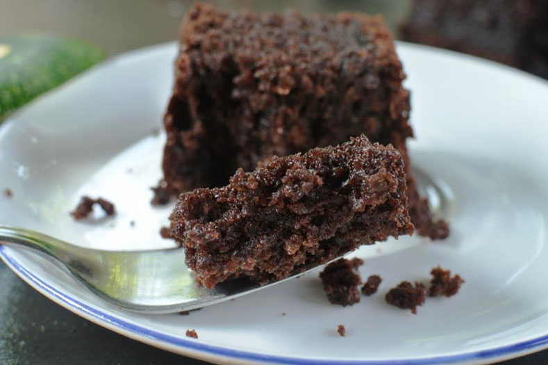 Saftige Brownies mit Zucchini und Schokolade