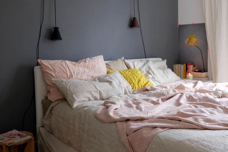 dieartigeBLOG - Schlafzimmer, Leinenbettwäsche in Rosé & Natur, Überdecke in Rosé von Urbanara
