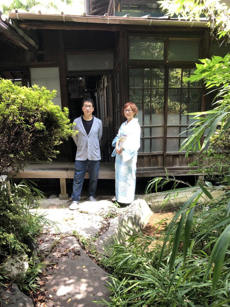 戸谷八商店取材時(2021年7月)の藤井美登利先生。