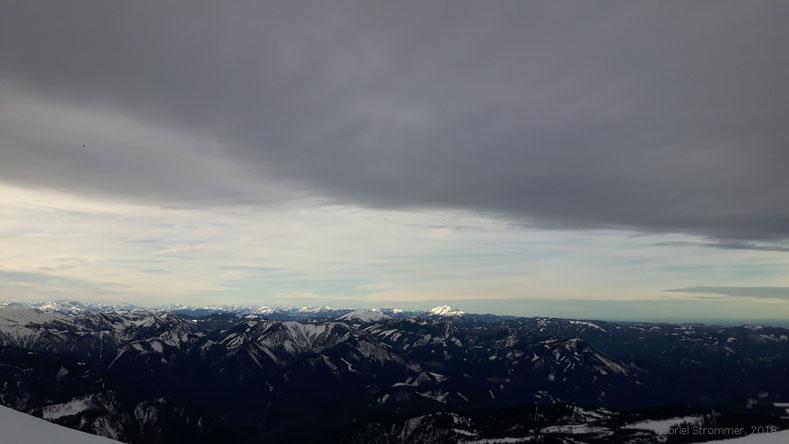 Blick vom Schneeberg zu Göller (1766 m) und Ötscher (1893 m)