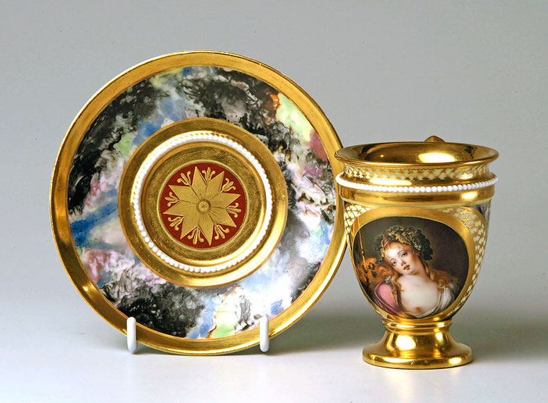Чашка с миниатюрой по картине Л. М. Бонне «Голова вакханки» и блюдце. 1820 г.