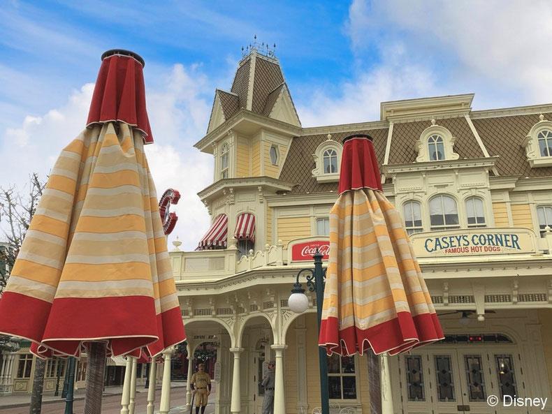 L'arrivée de nouveaux parasols dans certains restaurants