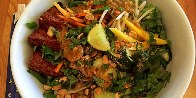 Vegan Vietnamese Sweet Chili Lemongrass Noodle Bowl