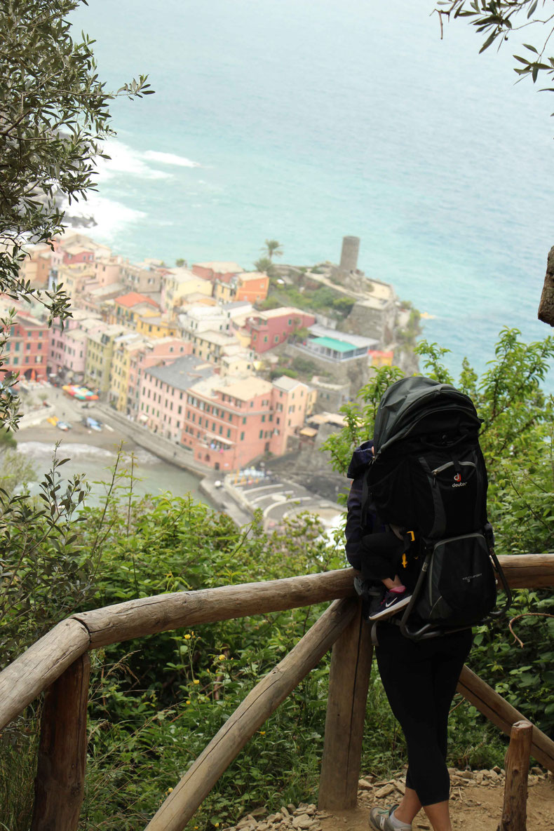 Hiking Cinque Terre with Deuter Kid Comfort 3