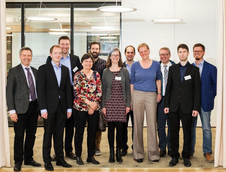Teilnehmer des Kick-Off-Meetings in der Akademie für Zahnärztliche Fortbildung Karlsruhe.