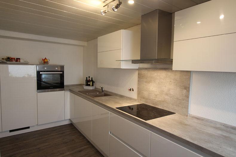 Küche mit niedriger Deckenhöhe - wohnconcepte