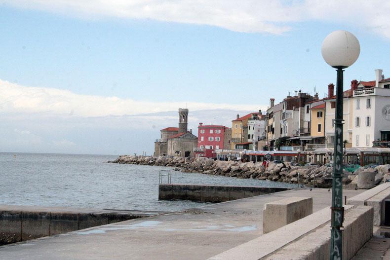 Piran: entzückendes Städtchen, aber mit Beton-Strand