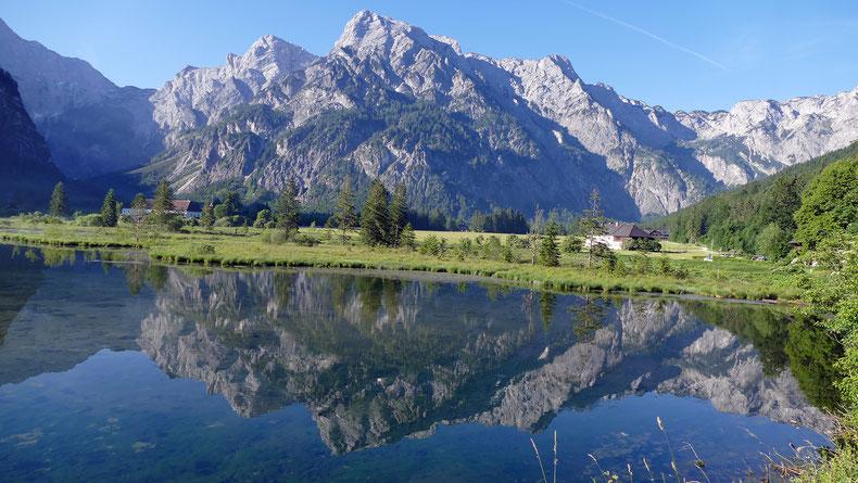 Idyllischer Schauplatz für zahlreiche WALDNESS Aktivitäten: Der Almsee bei Grünau