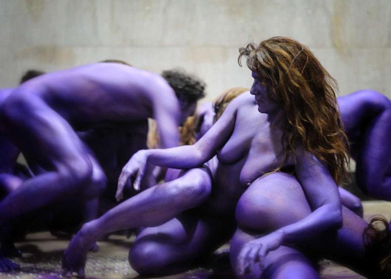 Meute monochrome violet métallisé, Palais de Tokyo, Paris, 2012 © Laurent Fouchet
