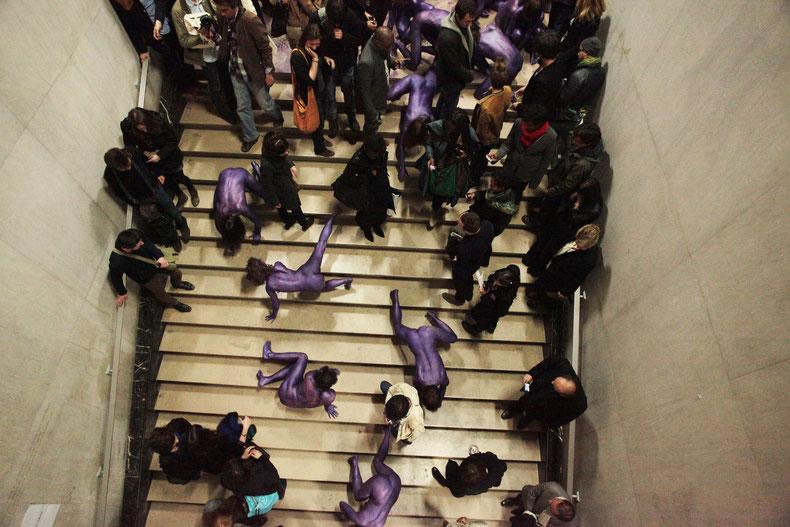 Meute monochrome violet métallisé, Palais de Tokyo, Paris, 2012 © Maria Spera