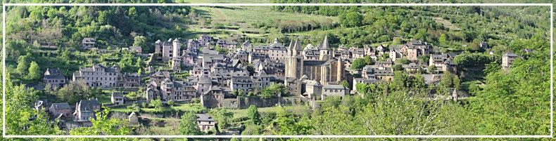 Conques en Aveyron près du gîte le Clos de Servoline St Cyprien sur Dourdou