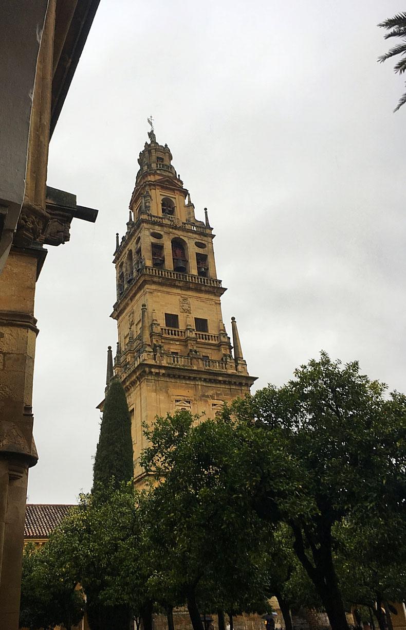 Kirchturm der Moschee-Kathedrale