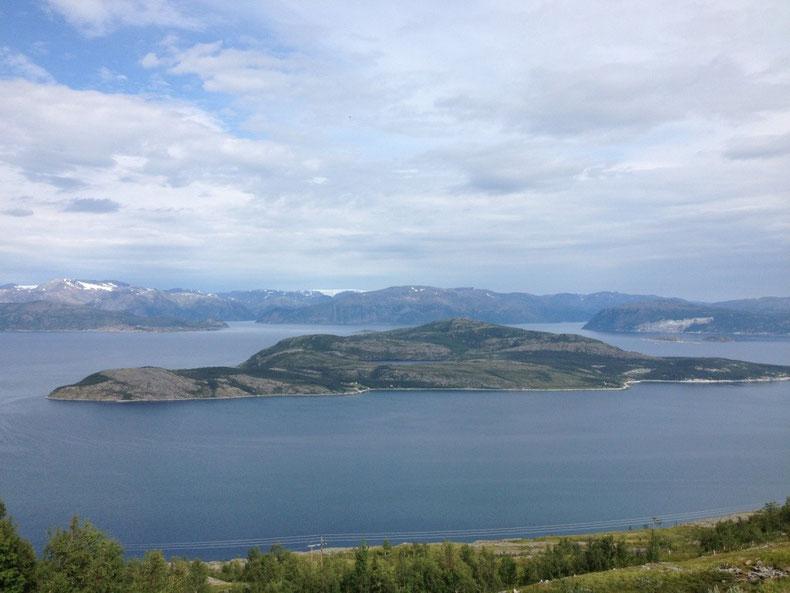 un magnifique fjord vu lors des derniers kilomètres me menant au Cap Nord