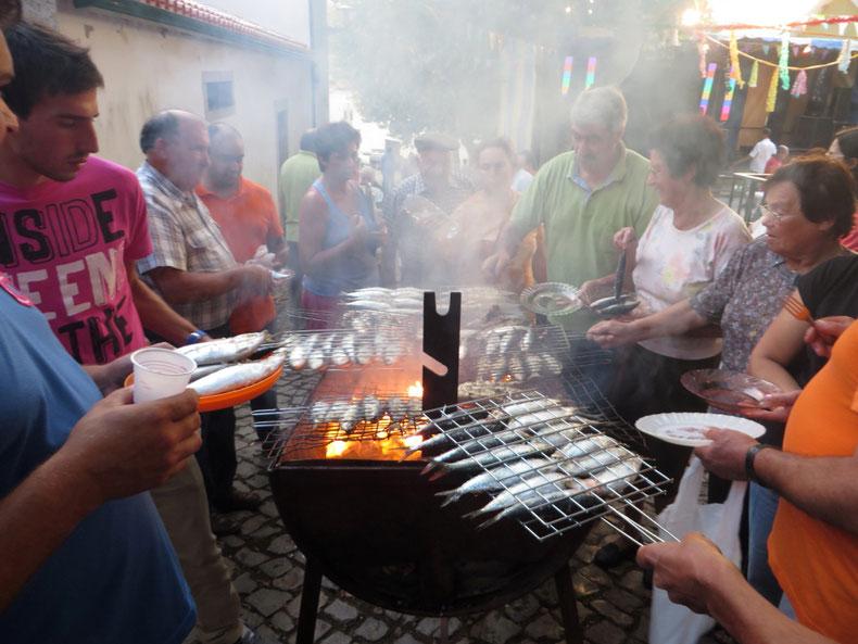 Sardinių fiesta Zambužalyje - piligrimų kelias
