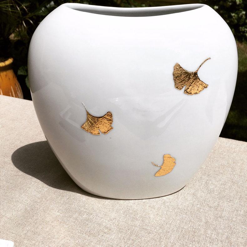 Nara Porcelaine peinte à la main - Vase Feuilles Ginkgo Biloba Or