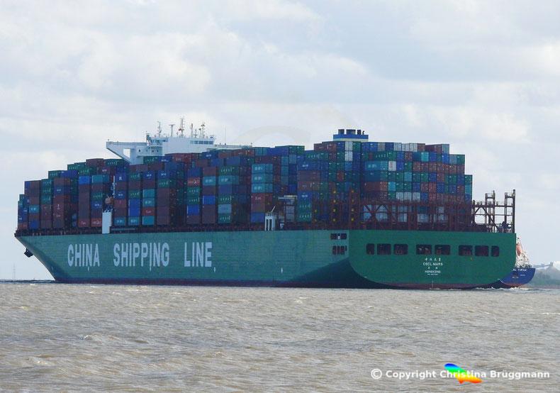 """Containerschiff """"CSCL MARS"""" auf der Elbe 11.04.2017"""