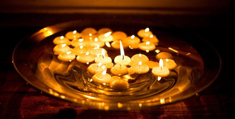 Ritualbegleitung: Ritual Begleitung Rebekka Bolzern Ritual Begleiterin aus Luzern  www.ritual-begleitung.ch www.ritual-begleiterin.ch