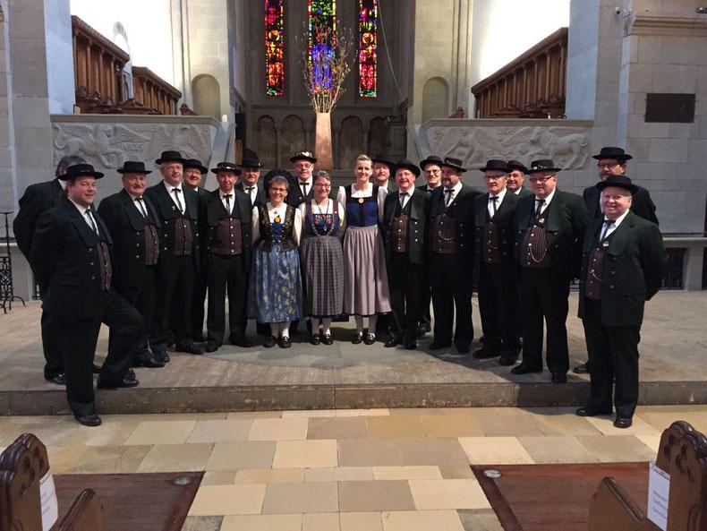 Ich singe im Jodel-Doppelquartett TV Adliswil im 2. Tenor.