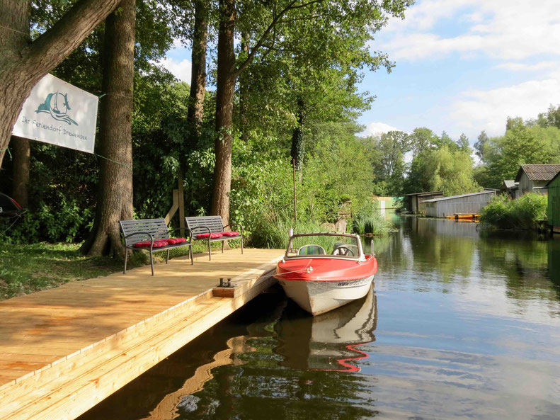 Ibis, Motorboot, Steg Havel, Urlaub