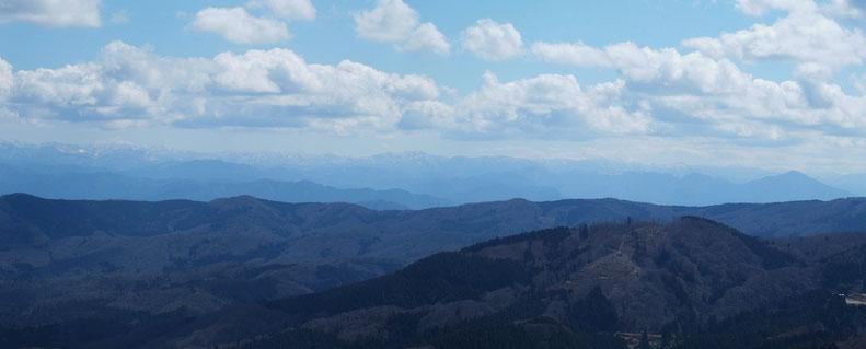 能郷白山から日野山までも見渡せた。福井を・越前を一望で語ってくれています。