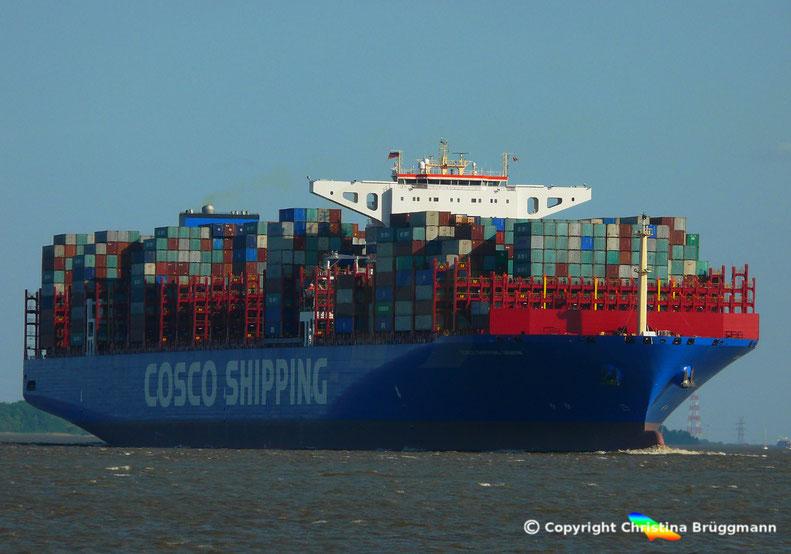 """""""COSCO SHIPPING GEMINI"""" auf der Elbe, nach Erstanlauf Hamburg, 21.05.2018"""