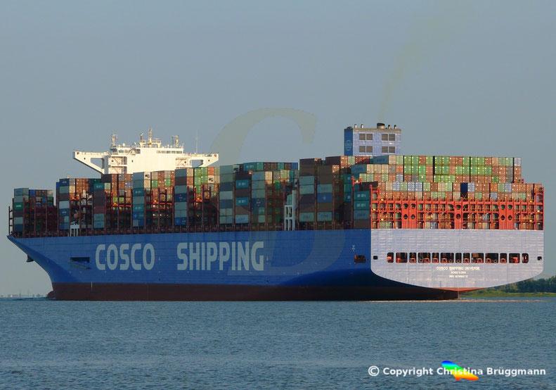Erstanlauf Hamburg Containerschiff COSCO SHIPPING UNIVERSE,  Elbe 19.07.2018