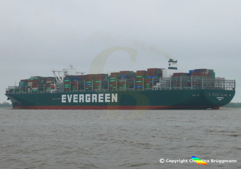 Erstanlauf Hamburg Containerschiff EVER GENTLE,  Elbe 01.05.2019