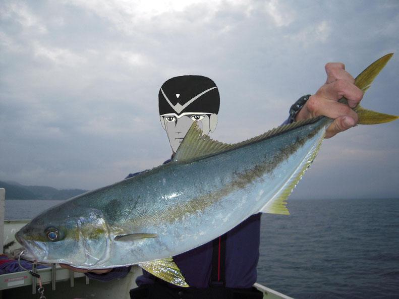 ヒラマサ65cm ヒラメは50cmくらい マスクけっこう大変なのヨ!