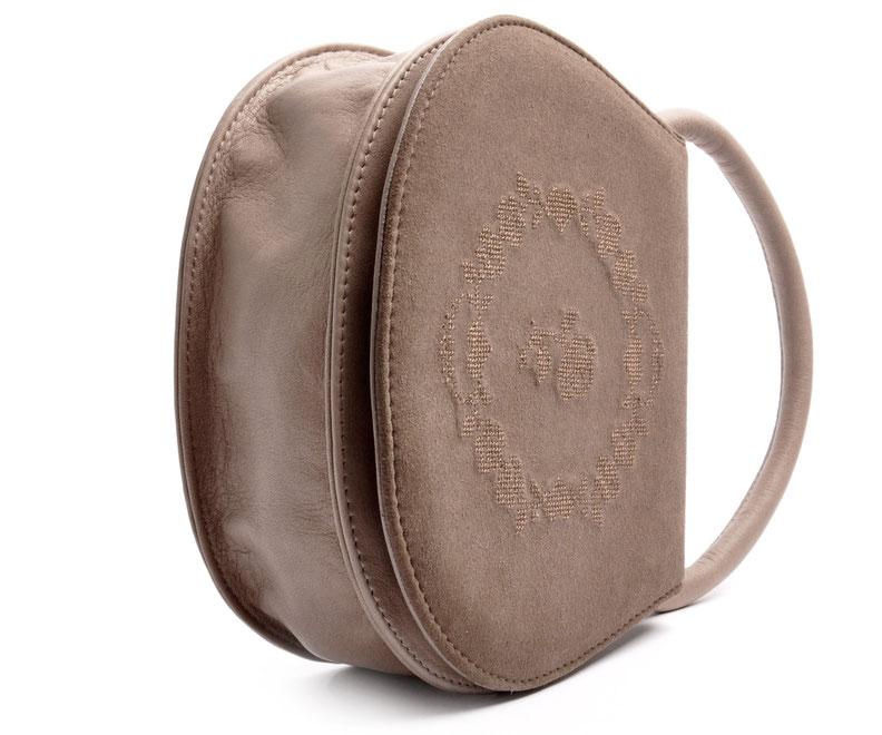 Handgefertigte Trachtentasche HENRIETTE Leder taupe OSTWALD Traditional Craft