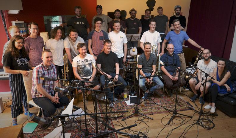 Das Ausatmen nach den Aufnahmesessions (wegen späterer Vocal-Sessions ohne Yaëlle Ellen & Luca Koch). Bild: Lukas Mathis