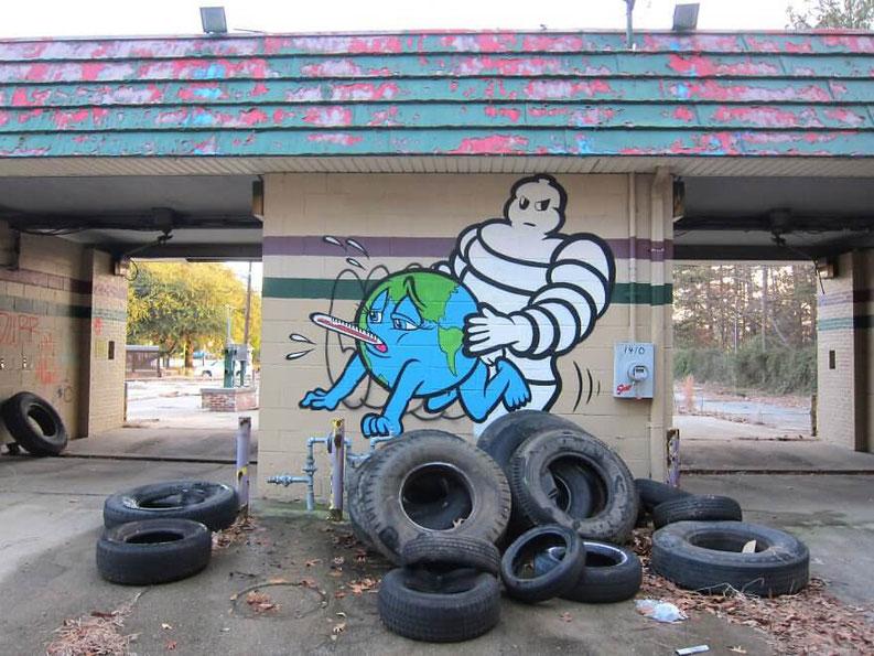 bibendum-encule-la-terre-street-art-denonciation.jpg