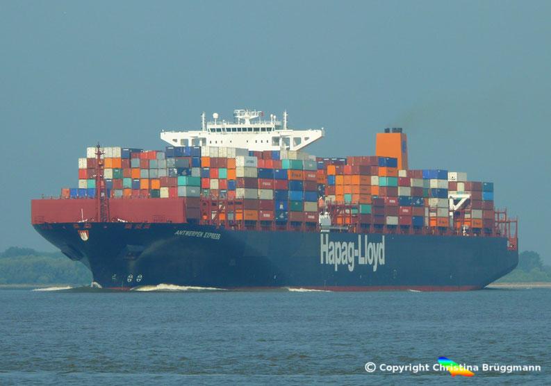 Hapag-lloyd Containerschiff ANTWERPEN EXPRESS auf der Elbe 21.08.2015