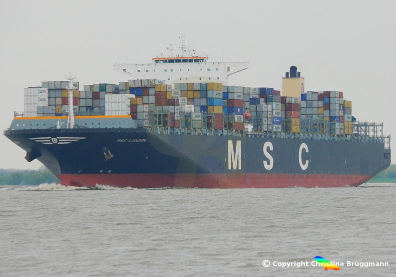 """""""MSC LONDON"""" auf der Reise zum 1. Anlauf Hamburgs 03.05.2015"""