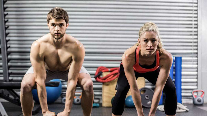 Mann und Frau macht Sport