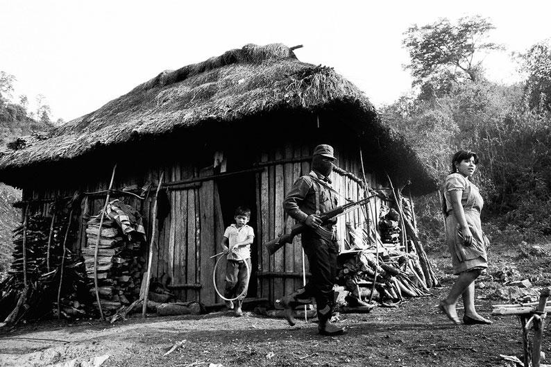 1er janvier 1994 dans l'état du Chiapas. EZLN , Ejercito Zapatista de Liberacion Nacional = Armée zapatiste de libération nationale. Mexique