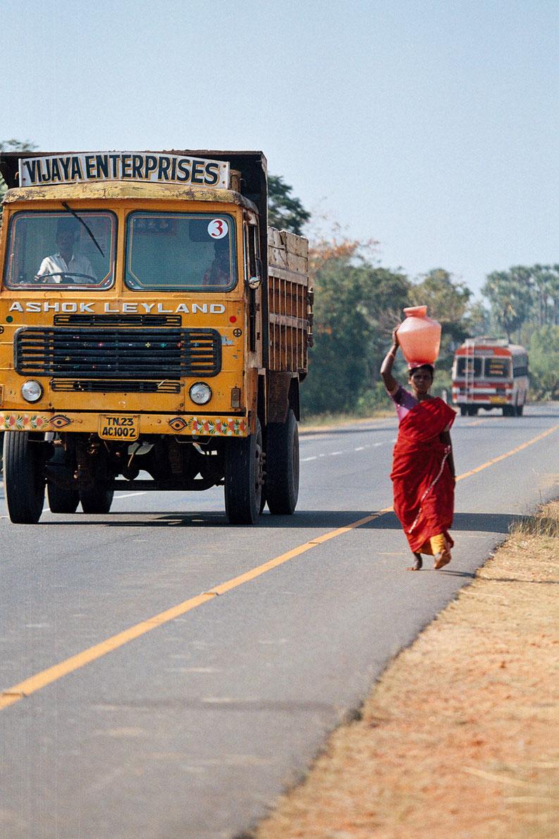 Indians roads © Bruno Cabantous