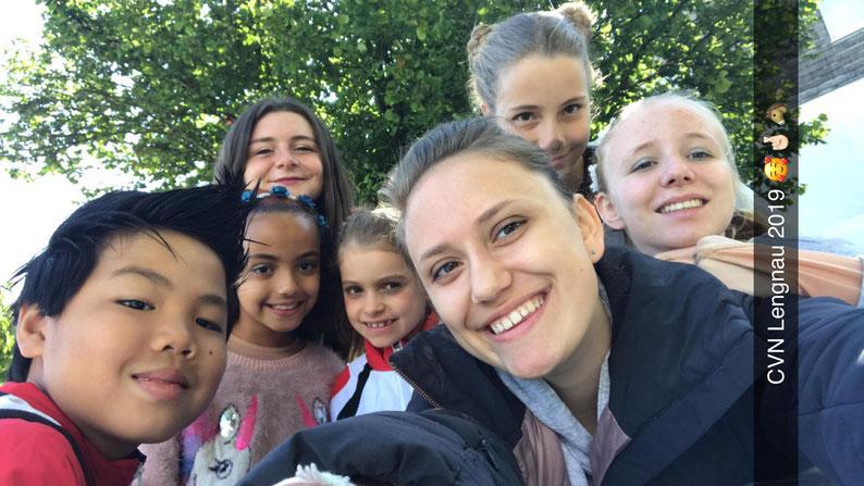 Team Selfie von Athleta 3 Piccolo